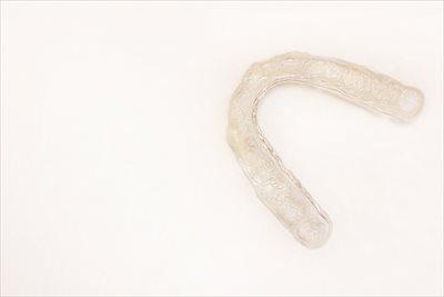 尼崎の歯医者ならマウスピースを使用した矯正や痛くない親知らずの抜歯が可能な【南林歯科クリニック】へ