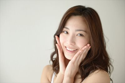 尼崎でホワイトニングは【南林歯科クリニック】へ~前歯の着色が気になる方に適したプランをご提案~